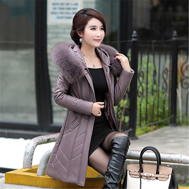 Hiver vêtement d'extérieur pour femmes 2018 nouvelle grande taille moyenne longue femme coton veste à capuche fourrure col épaissir lâche dames Parkas Cw099