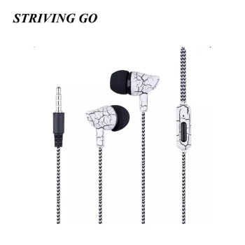 09 Earphones 3.5mm In-Ear Headset Music Sport Earbuds With Mic for iPhone Xiaomi Samsung PK Bluetooth Earphone S8 Am115 S6 S4