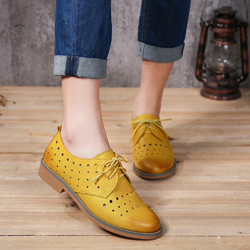 New Shoes Woman 2017 Genuine Leather Women Brogue Shoes Solid Lace-Up Oxfords Retro Women Flats qmn women genuine leather platform flats women laser cut patent leather brogue shoes woman oxfords lace up leisure shoes 34 39