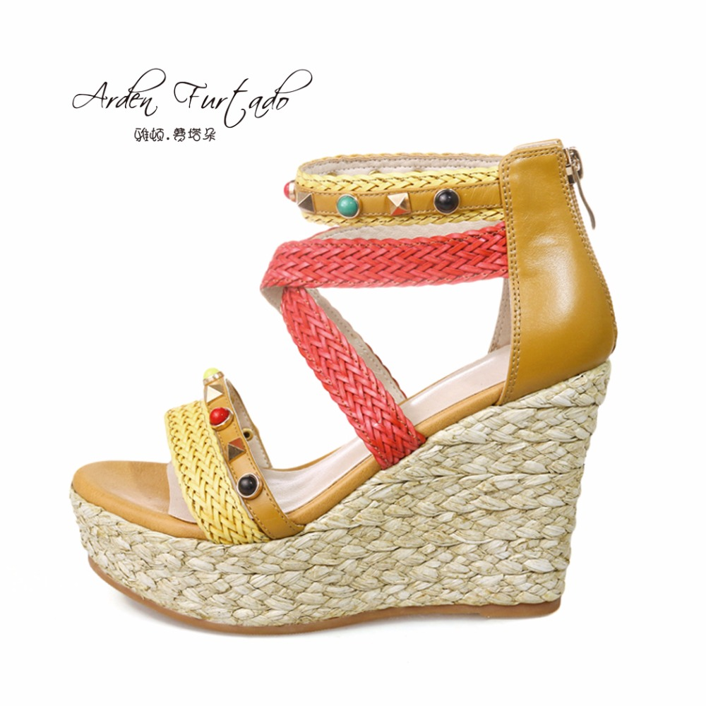 Arden Furtado new 2017 summer shoes for woman platform genuine leather wedges rivet high heels casual sandals women cover heel woman fashion high heels sandals women genuine leather buckle summer shoes brand new wedges casual platform sandal gold silver