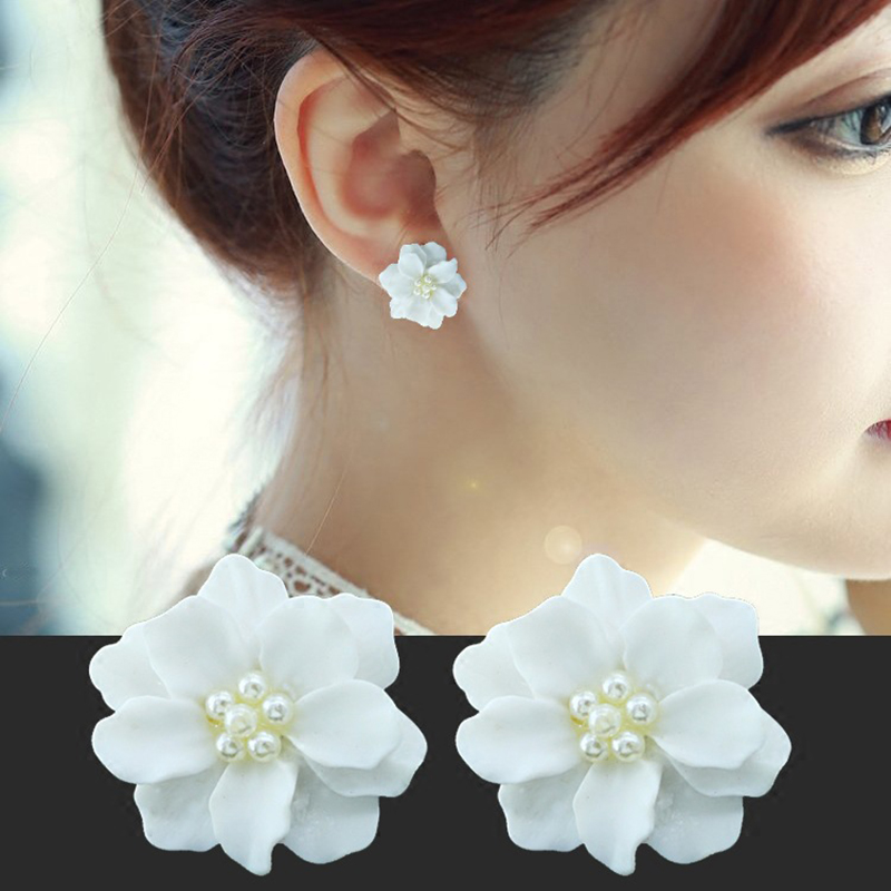 2019 Women's Earrings Simple White Flower Pearl Stud Earrings For Women Cute Earrings Jewelry Accessories Boucle D'oreille Gift