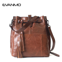 Hot 2017 New Female Bag European Style Genuine Leather Bucket Bag Vintage Tassel Messenger Bag Large