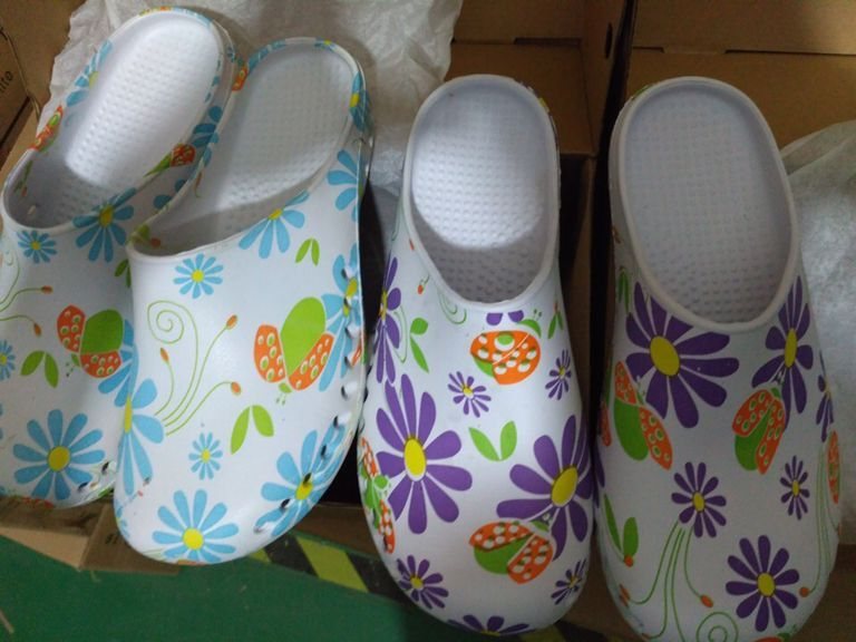2016 Fashion Print Flower Design Medical Shoes Hospital Doctors' Slippers Surgical Shoes Nurses Shoes Medical Accessories