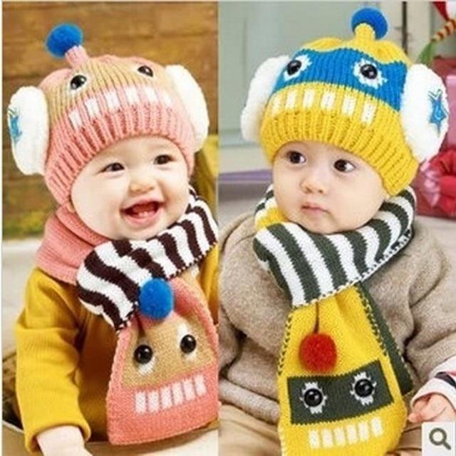 Automne et Hiver Bébé Chapeau et Écharpe Belle Robot Jacquard tricoté Béret  pour Enfants Cache- 0bd86da45f4
