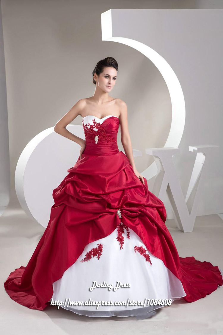 dresses appropriate for winter weddings christmas wedding dresses 16 Beautiful And Comfortable Winter Wedding Dresses For Your