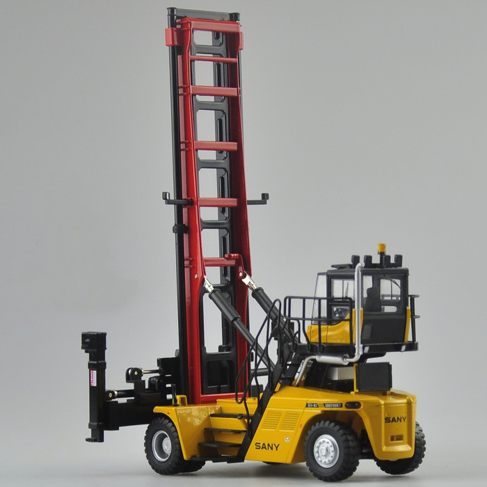 1 50 SANY Empty Container Handler toy