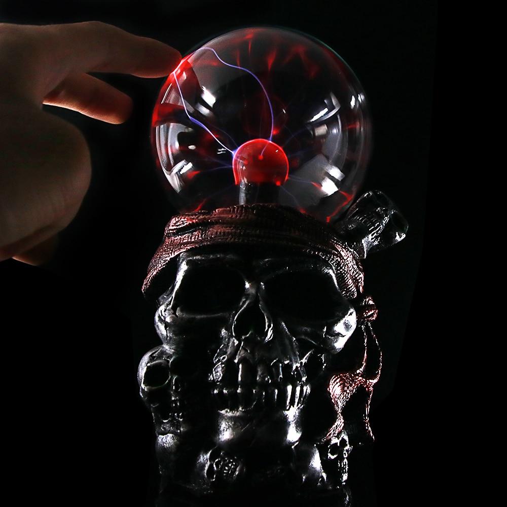 Pirate Skull with Red Bandana Statue Plasma Ball Lighting Gothic Skeletons Ornament Decor Piled Skulls Resin Figurine Buccaneer