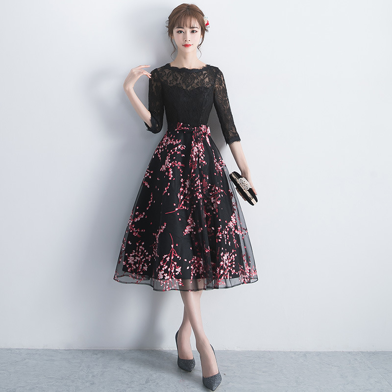2019 Mid Skirt Round Neck Evening Dress Embroidery Floral Sexy Lace Prom Gowns Ribbons Bow Tulle