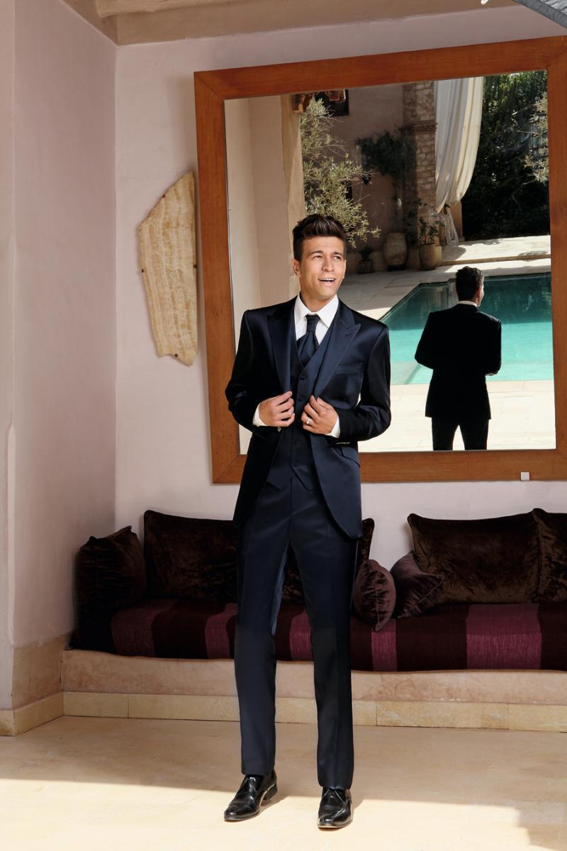2017 Navy Modern Wedding Ceremony suit Slim Fit Custom Made Groom Tuxedos groomsman Bridegroom Suit Jacket+Pants+Tie+Vest