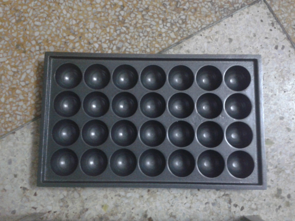 Free shipping ~Gas type takoyaki maker/ Octopus cluster/ takoyaki oven, GAS fish ball machine, meat ball former free shipping as type takoyaki maker making machine taiyaki plate machine fish ball machine takoyaki grill takoyaki plates