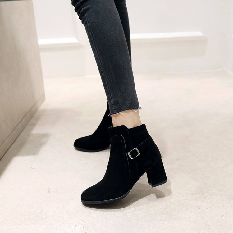 Big Size 11 12 13 14 15 16 17   Maam Coarse heel Short boots  Pure color  Metal decoration  Boot barrel Suede high-heeled bootsBig Size 11 12 13 14 15 16 17   Maam Coarse heel Short boots  Pure color  Metal decoration  Boot barrel Suede high-heeled boots
