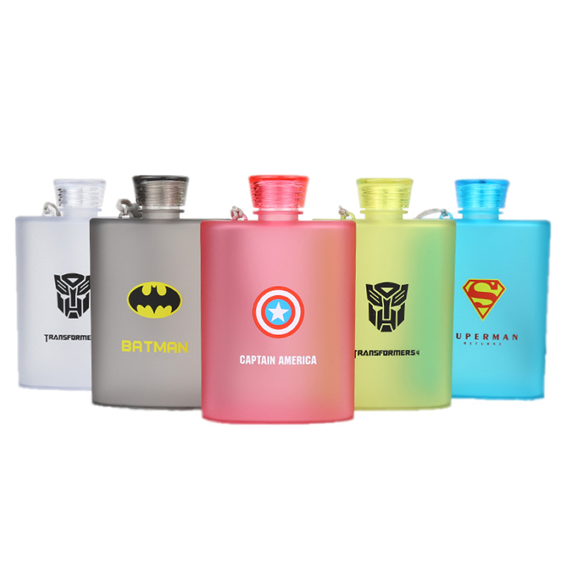 400ml Creative Cartoon LOGO Anime Character Plastic Hip Flask Couple Outdoor Portable Kettle Whiskey Flagon Adult Drinkware plastic