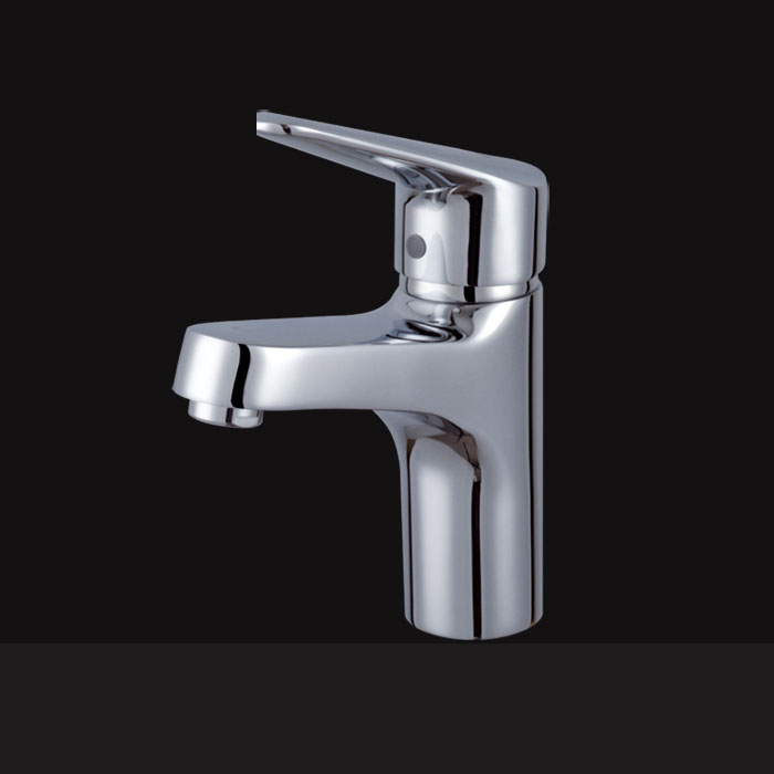 Wholesale And Retail Promotion Hot and Cold Polished Chrome finished Brass Bathroom Basin Faucet Vanity Sink Mixer Tap torneira wholesale and retail chrome brass bathroom basin faucet single handle hole vanity sink mixer tap solid brass hot and cold mixer