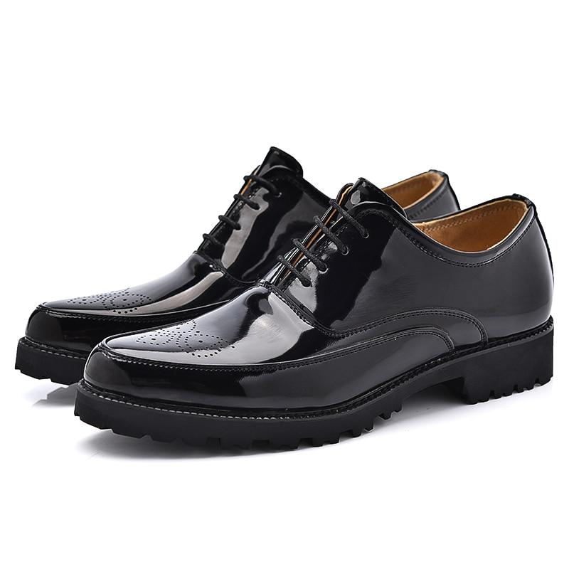 New Fashion Italia Designer Formal Mens Sepatu Klasik Pria Kulit Paten  Sepatu Pernikahan Laki laki Kantor Nyaman Zapatos di Sepatu Formal dari  Sepatu ... 671f3b6ded