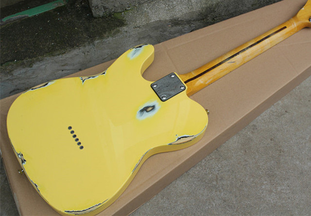 2019 New Arrival Firehawk Relic Yellow Custom Shop Vintage Maple Fingerboard Basswood Body Standard Electric Guitar SSS Pickups 3