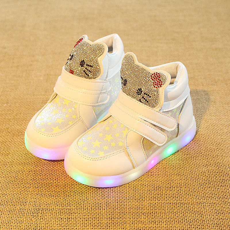 2017 New fashion high quality Lovely children boots LED lighting Cute girls shoes fashion casual kids baby glowing sneakers