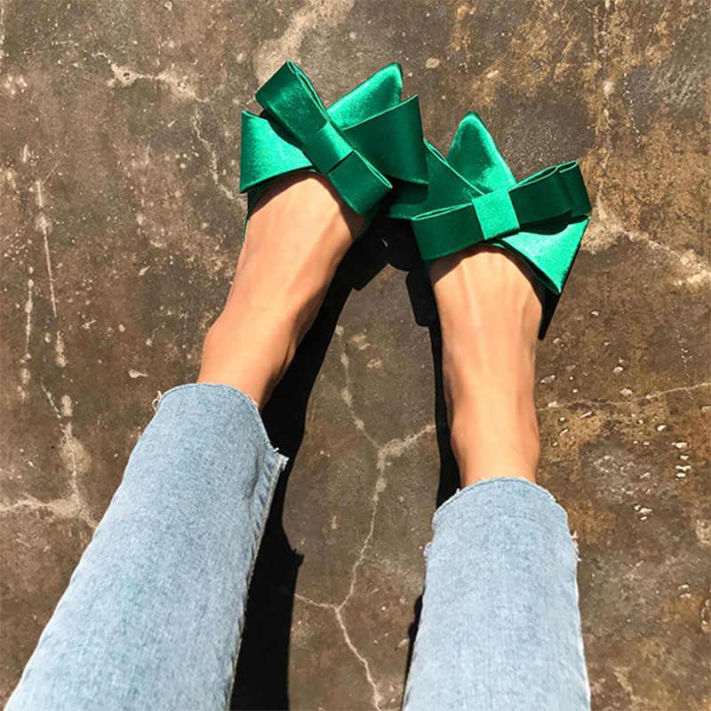 Женская обувь на весну и лето 2018, корейские шелковые Сатиновые шлепанцы с острым носком и бабочкой, комплекты на Плоском Каблуке, полушлепанцы