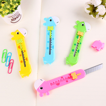 1pc Cute Giraffe Utility Knife Paper Cutter Cutting Paper Razor Blade Office Stationery Escolar Papelaria School Supply