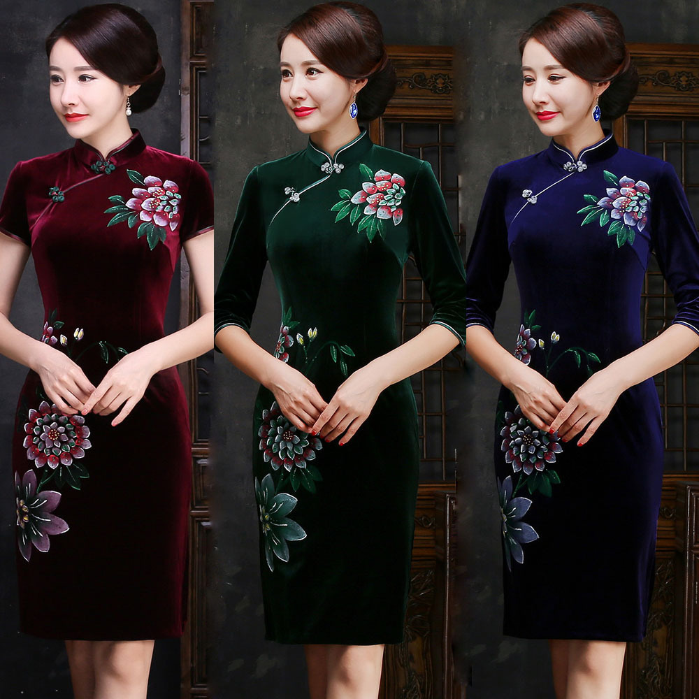 Здесь продается  Retro Dressing Gown Traditional Chinese Clothes For Woman 2017 Autumn New Velvet Short Qipao Dresses Casual Modern Velour Dress  Одежда и аксессуары