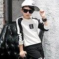 Negro con letras blancas niños camiseta para niños de manga larga tops ropa nueva primavera 2017 adolescentes de verano de los bebés de los niños ropa de la parte superior