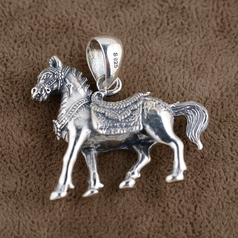 Twelve zodiac Horse Pendant S925 Sterling Silver Antique Style hard Mens stereo Horse Pendant instant success twelve gems