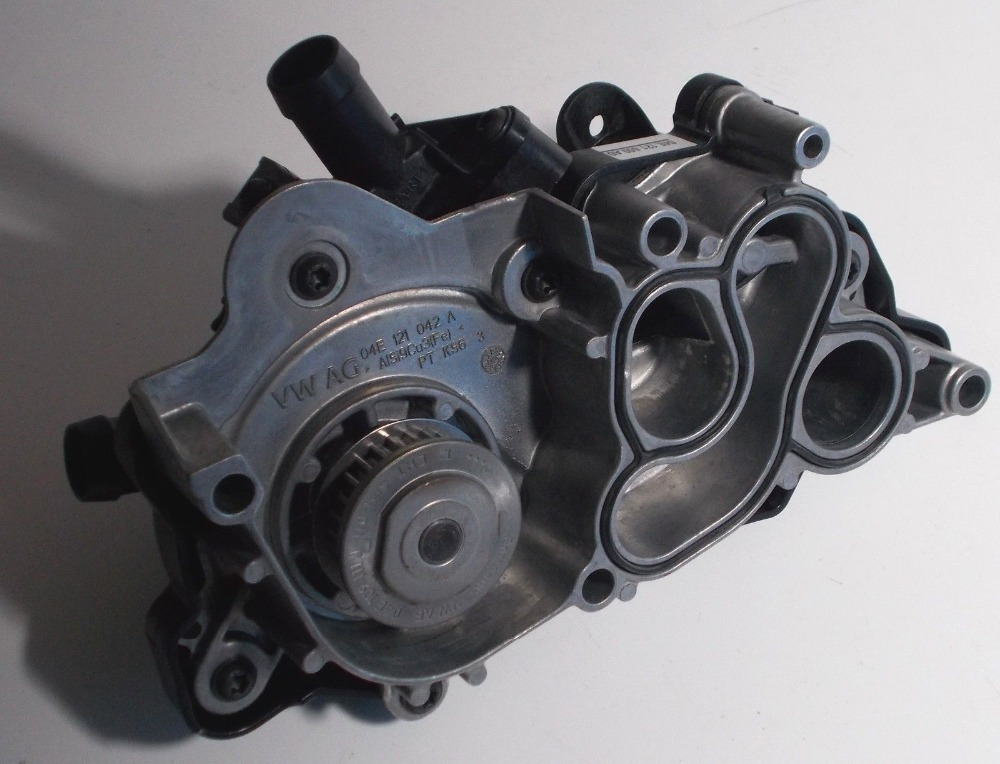 NOUVEAU Pour VW Golf Polo Audi A1 A3 1.2 1.4 TSI TFSI pompe à eau 04E 121 600 AD 04E121600AD