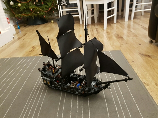 mylb 804Pcs Pirates Of The Caribbean The Black Pearl Ship Model Building Kit Blocks BricksToy Compatible 1513pcs pirates of the caribbean black pearl general dark ship 1313 model building blocks children boy toys compatible with lego