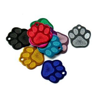 Image 4 - 卸売 100 個 3D 絶妙なポウシェイプ犬 ID タグカスタム刻ま名電話番号猫犬 ID タグペット用品