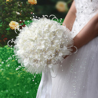 Luxury Pearls White Wedding Bouquets With Ribbon 2018 Heavy Beading Pageant Quinceanera Flowers Bridal Accessories Hand