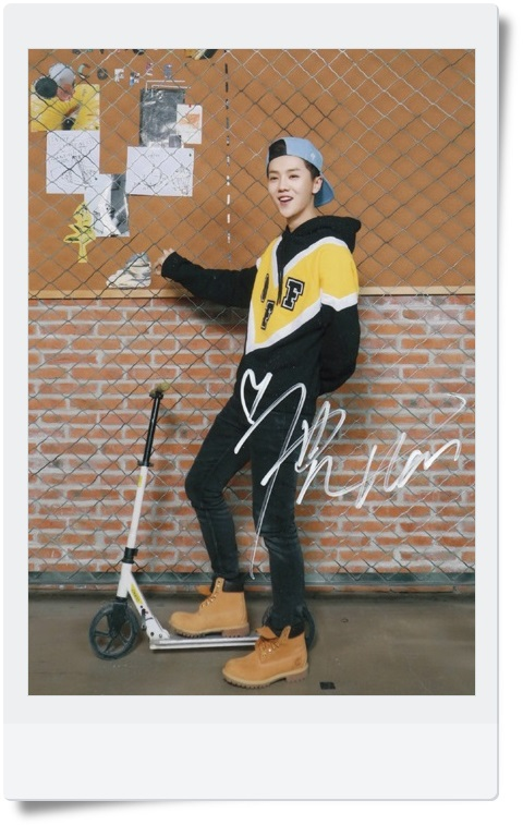 signed Luhan LU HAN  autographed original photo  7 inches collection freeshipping  062017 5 Versions B got7 got 7 jb autographed signed photo flight log arrival 6 inches new korean freeshipping 03 2017