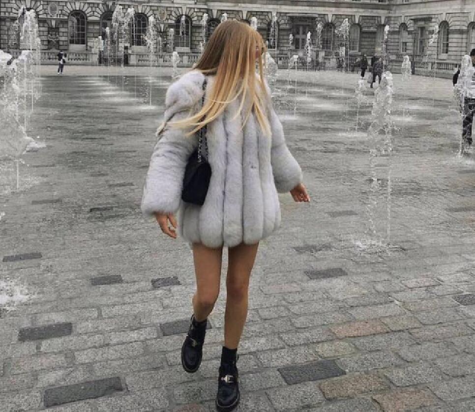 Classic vintage Womens Autumn Winter Fur coats Detachable Whole pelts Sleeve Real fur outerwear Milan Collection