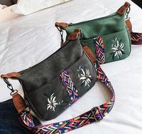 d956ceb71 ... Mulheres Saco Do Mensageiro. Summer Fashion Ethnic Color Shoulder Bags  Handbags Women Famous Brands Embroidered Flower Crossbody Messenger Bag  Bolsas