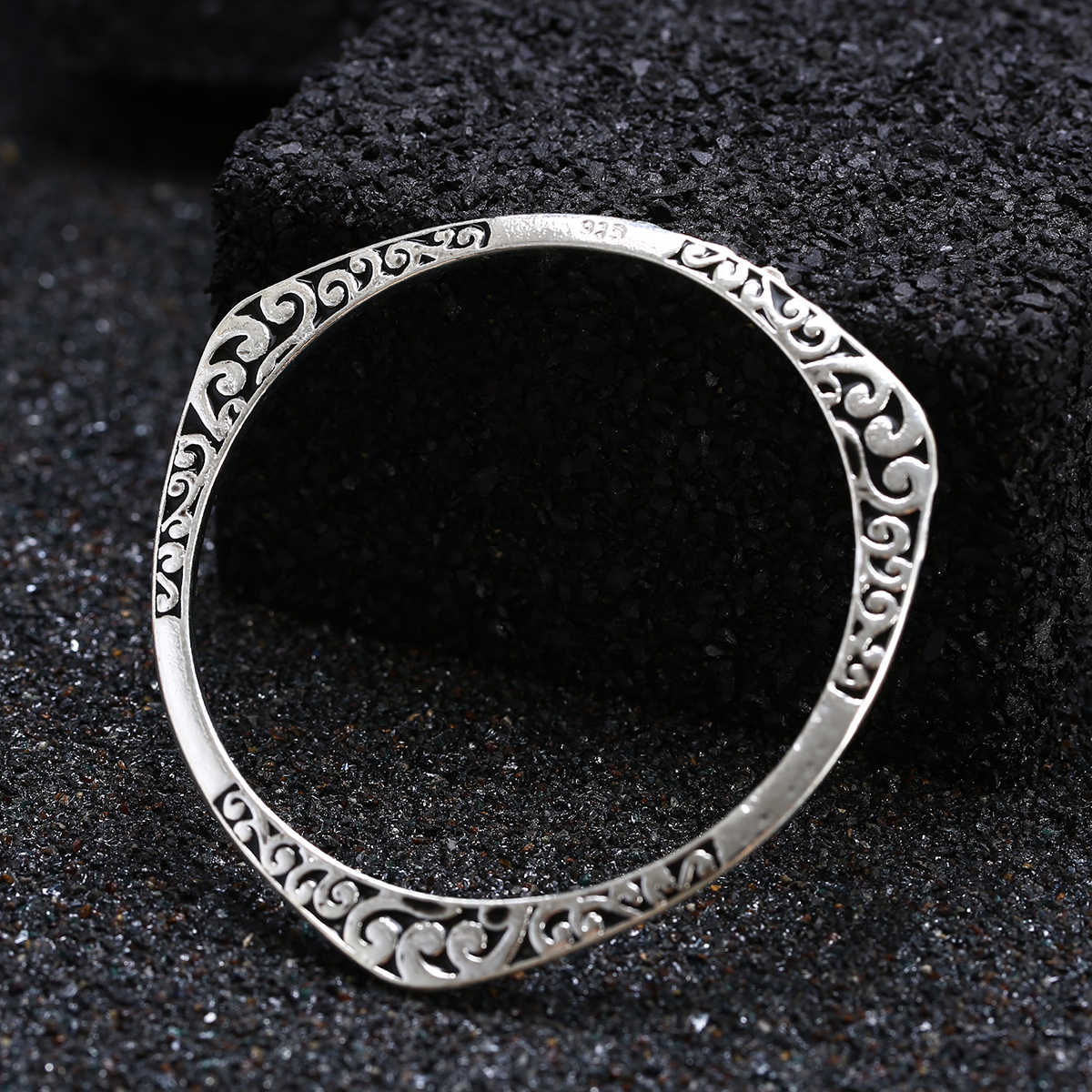 Carved Flower Metal Tibetan Silver Color Vintage Retro Tribal Fashion Bracelet Bangle Cuff for Women Pulseiras Jewelry