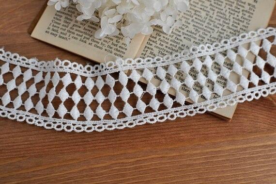 Off White Cotton Lace Trim Vintage Geometric Diamond Pattern Lace