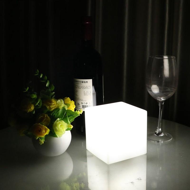 European-simple-LED-desk-lamp-charging-desk-lights-living-room-bedroom-dimming-square-lamp (2)