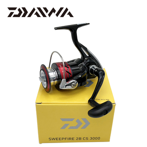 Image 5 - Daiwa SWEEPFIRE CS spinning fishing reel 1500 5000 size with Metail spool Gear Ratio5.3:1 2BB 2KG 6KG Power for fishing reels