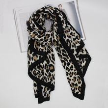 2019 New winter animal cotton women pleated scarf wrinkle fashion oversize shawls chile best selling leopard scarves LL190408