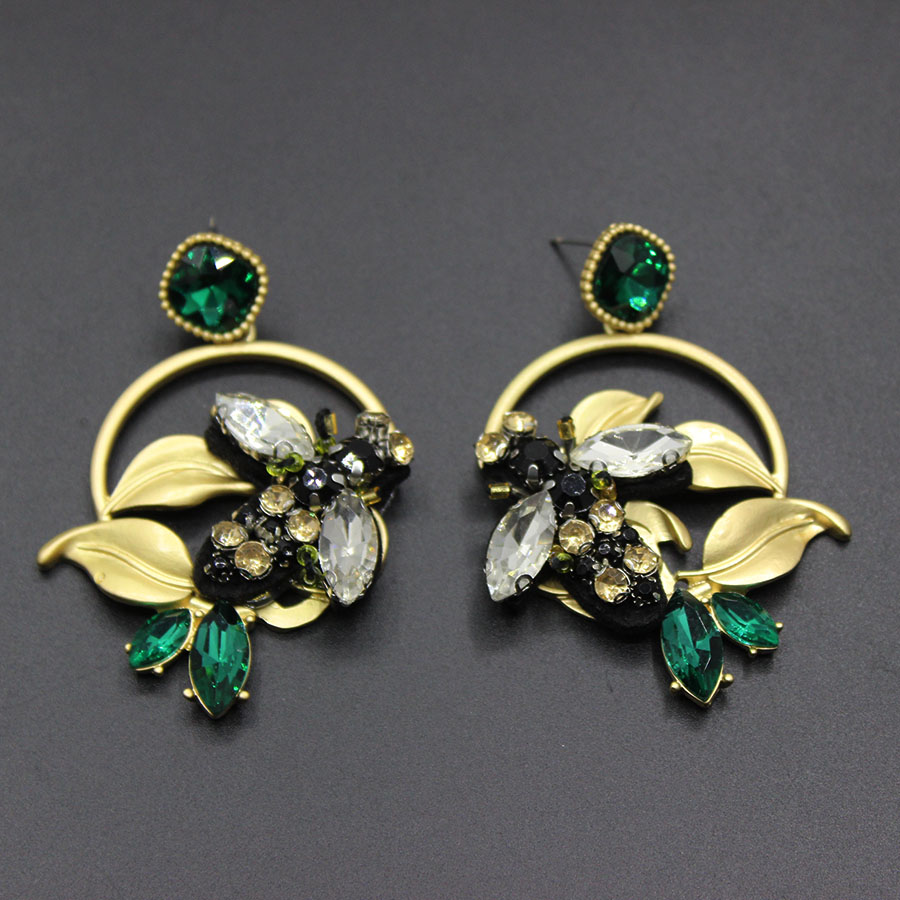 2017 new European and American fashion ladies Baroque plant flowers geometric earrings bee stud earrings 417