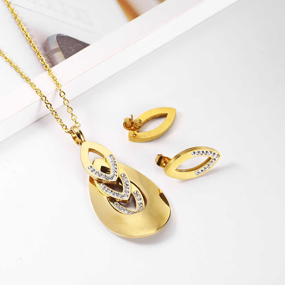 OUFEI Necklace Stainless Steel Woman Jewelry sets Women's clothing Accessories Fashion Jewelry Bohemian Jewelry Women's Pendant