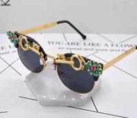 Crystal Rhinestone Baroque Sun Glasses Women Brand Designer Summer Luxury Ladies Sunglasses For Summer Oculos De