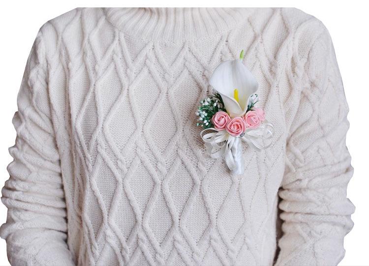 white wedding wrist corsage boutonnieres roses  (1)