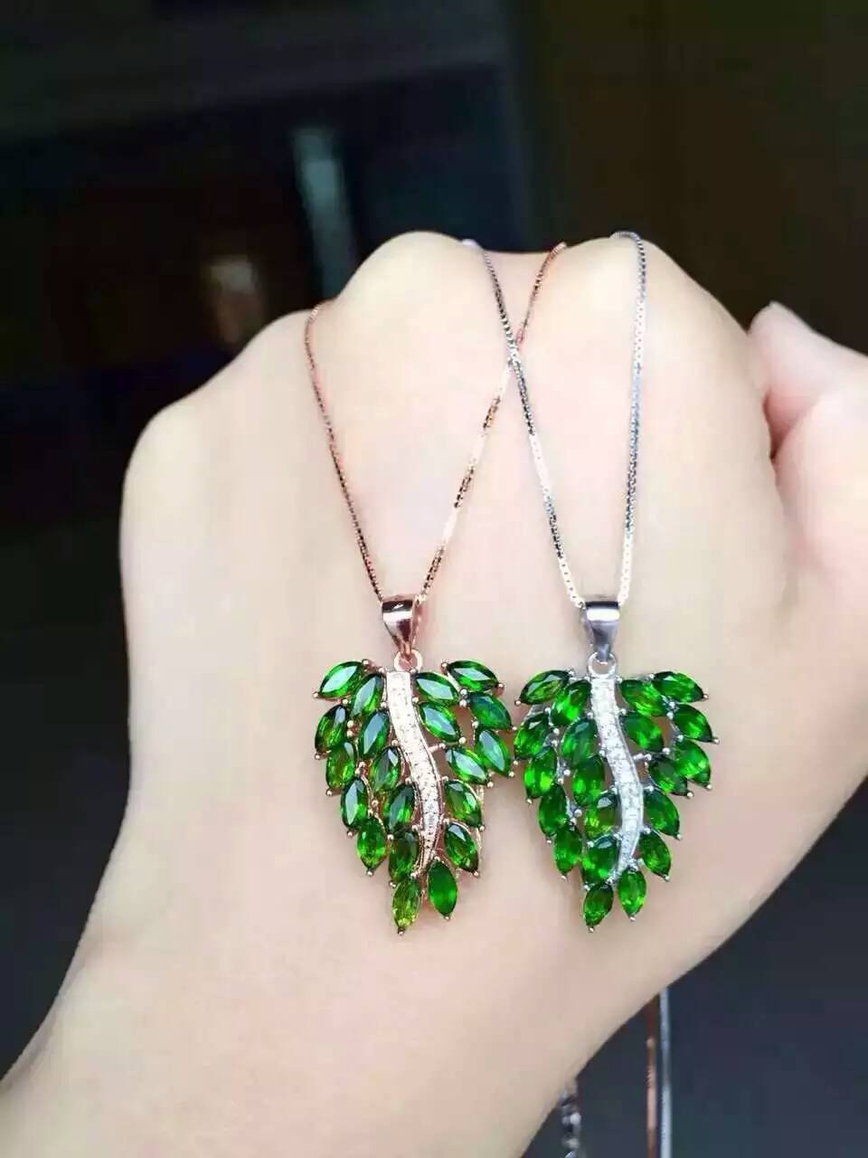natural green diopside pendant S925 silver Natural gemstone Pendant Necklace trendy big Luxury Flower Leaves women party jewelrynatural green diopside pendant S925 silver Natural gemstone Pendant Necklace trendy big Luxury Flower Leaves women party jewelry