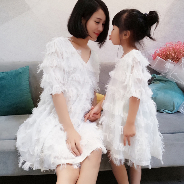 Beautiful White Dress Mother Daughter Dress Family Matching Outfits Summer Short V Neck Matching Mom Daughter Dresses