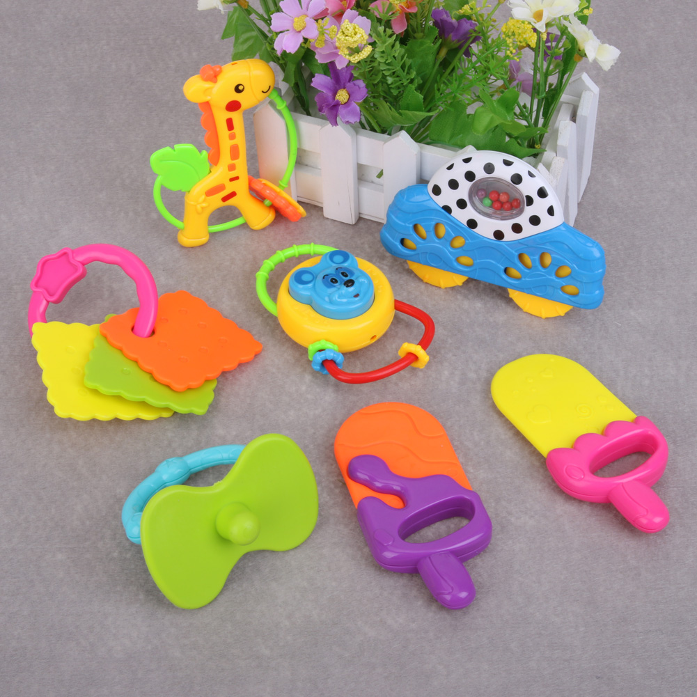7PCS/PACK Baby Rattle Toys Carton Hand Bells Animal style Toy Baby Music Rattle For Kid Bed Stroller IcePop+Car+Giraffe Gift