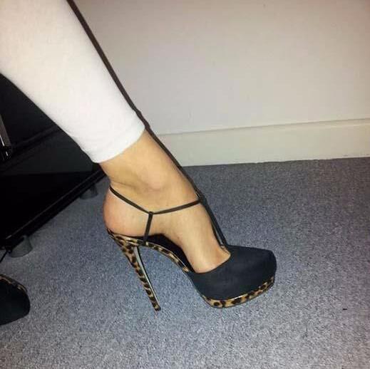 Concise Elegante T Strap Salto Alto Bombas Dedo Do Pé Redondo Plataforma Vestido Sapatos Aumento da Altura do Tornozelo Fivela T Bar Sexy Preto calçado - 2