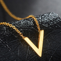 18K Pure Gold Pendant Real AU 750 Solid Gold Charm Nice V Alphabet Upscale Trendy Classic Party Fine Jewelry Hot Sell New 2018