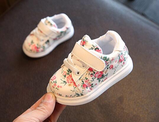 Cute-Baby-Shoes-For-Girls-Soft-Moccasins-Shoe-2017-Autumn-Black-Flower-Baby-Girl-Sneakers-Toddler-Boy-Newborn-Shoes-First-Walker-1