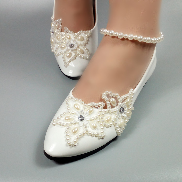 цена на New white flat bridal wedding shoes fashion shoes Beaded Pearl Low heel women's party shoes white lace shoes