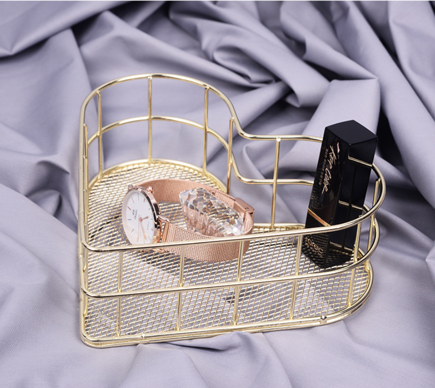 Image 2 - Heart shaped Golden Wrought Iron Storage Basket Simple Rose Gold Metal Baskets Storage Sundries Storages Fruit Basket-in Storage Baskets from Home & Garden