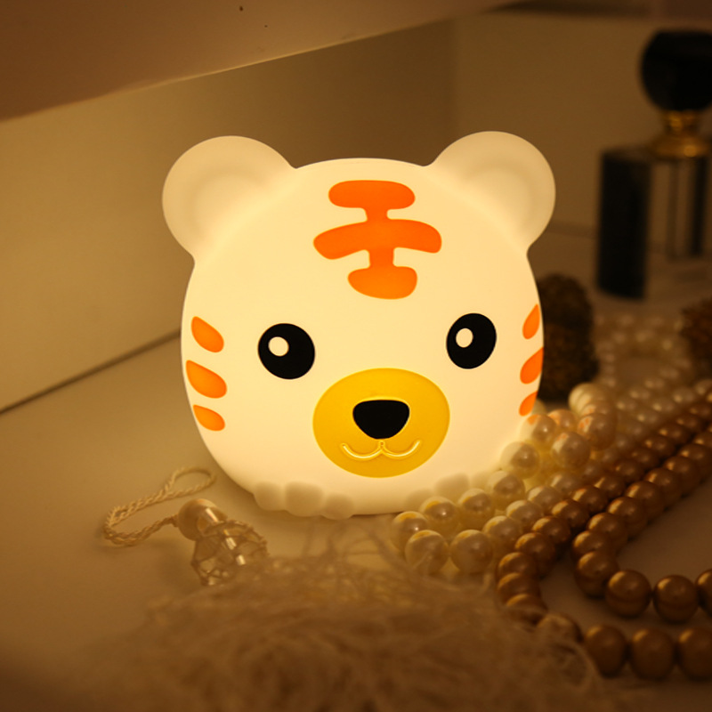 Colorful tiger silicone night light Bedroom creative dream bedside table lamp Charging pat lightColorful tiger silicone night light Bedroom creative dream bedside table lamp Charging pat light